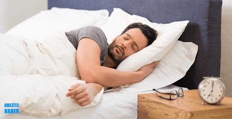 Cok Uyuyorum Uyanamiyorum Surekli Uyku Hali Nedenleri