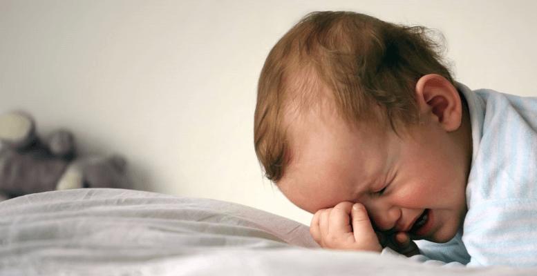 Bebeklerde Boğaz Enfeksiyonu Neden Olur?
