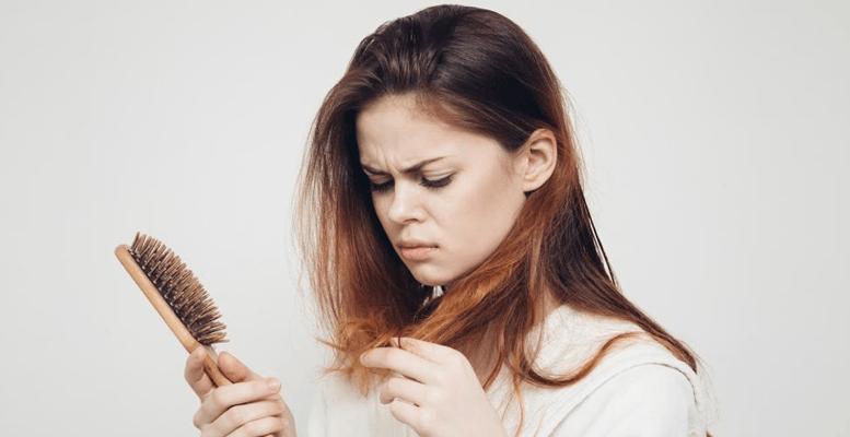 Obezite Cerrahisi Sonrası Saç Dökülmesi