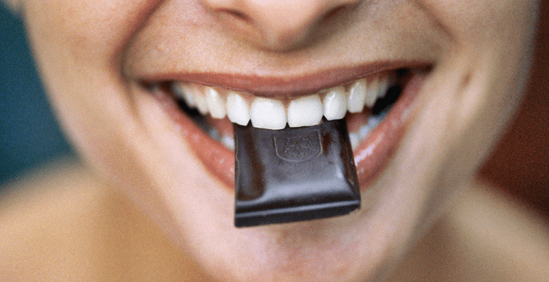 Bitter Çikolata Kaç Kalori? Bitter Çikolata Kilo Aldırır Mı?