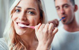 Dişlerde Kahverengi Lekeler Neden Olur?